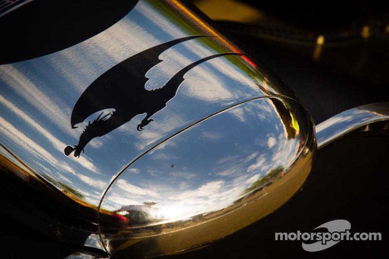 De auto van Sébastien Bourdais, Dragon Racing Chevrolet, neus