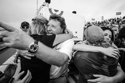 Kirsten Dee, girlfriend of James Hinchcliffe, celebrate victory with James' mom Arlene Hinchcliffe, James' sister Rebecca Hinchcliffe, James' dad Jeremy Hinchcliffe