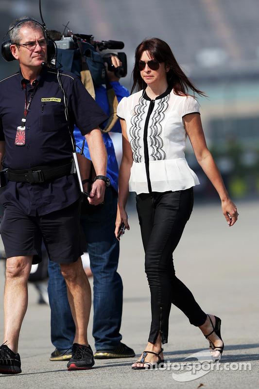 Suzi Perry, BBC F1 repórter