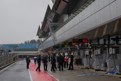 Quiet pit lane on Thursday