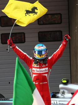 Ganador de la carrera Fernando Alonso, Ferrari