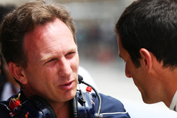 (L to R): Christian Horner, Red Bull Racing Team Principal with Mark Webber, Red Bull Racing