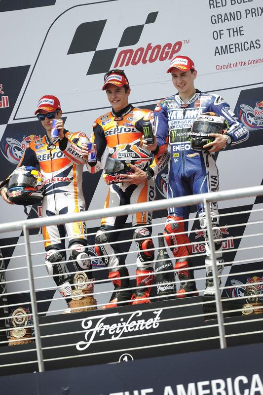 pódio: vencedor Marc Marquez, segundo colocado Dani Pedrosa, terceiro colocado Jorge Lorenzo