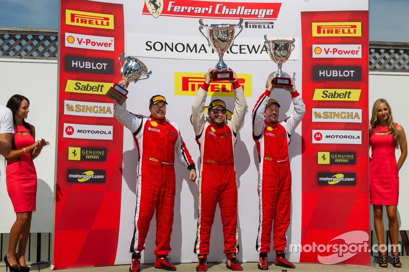 458 TP podium: 1e plaats Carlos Kauffmann, 2e plaats Mark McKenzie, 3e plaats Emmanuel Anassis