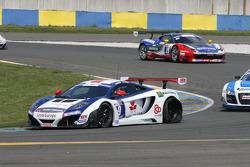 Pneu furado para #9 Sébastien Loeb Racing Mc Laren MP4/12C: Nicolas Tardiff, Nicolas Marroc