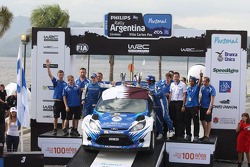 Podium: Abdulaziz Al Kuwari en Killian Duffy, Ford Fiesta