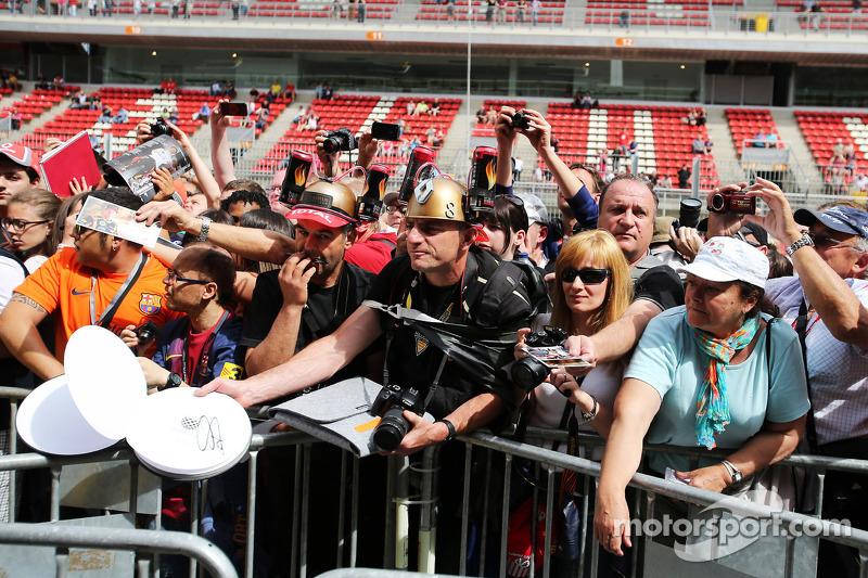 Kimi Raikkonen, Lotus F1 Team fans