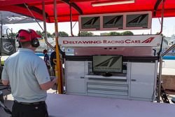 Deltawing pit empty while under repair for qualifying