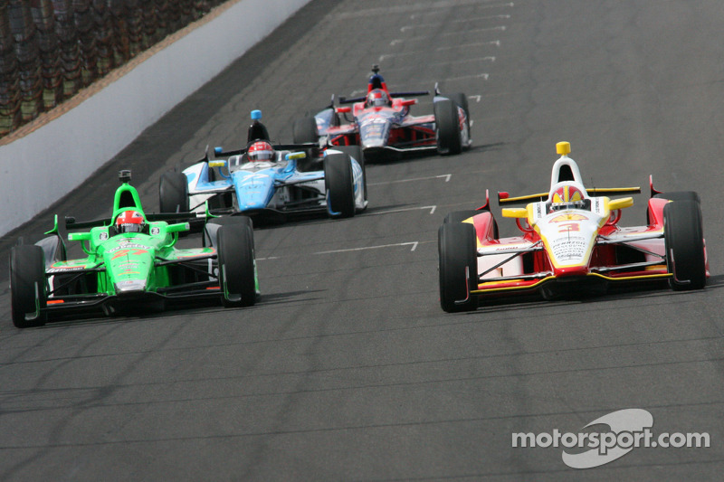 James Hinchcliffe, Andretti Autosport Chevrolet and Helio Castroneves, Team Penske Chevrolet