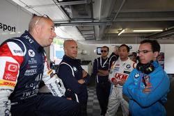 Tom Coronel, BMW E90 320 TC, ROAL Motorsport with Aldo Preo, Team owner, ROAL Motorsport and Darryl