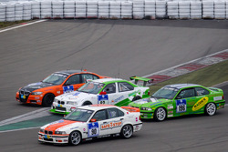 Start of the third group: #82 Manheller Racing BMW M3 (SP8): Stefan Manheller, Uwe Krumscheid, David Quinlan in trouble