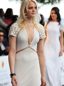 Emilia Pikkarainen, nadadora e namorada de Valtteri Bottas, Williams, no Salão Amber Fashion Show