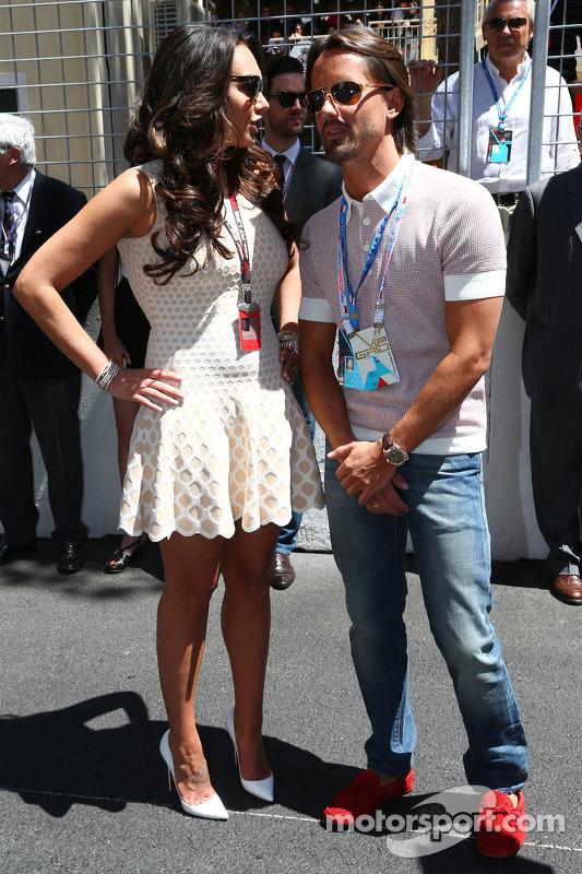 Tamara Ecclestone, com noivo Jay Rutland no grid