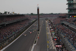 Start: Ed Carpenter leads