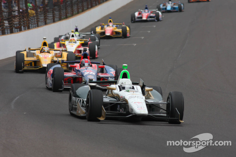 Ed Carpenter, Ed Carpenter Racing Chevrolet leads the first lap
