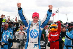 Race winner Simon Pagenaud, Schmidt Peterson Motorsport Honda celebrates