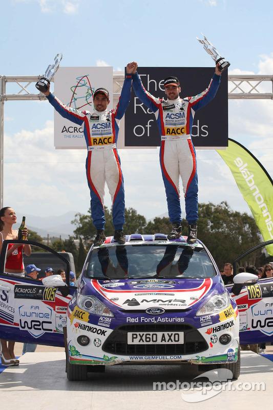 Jose Suarez e Candido Carrera, Ford Fiesta R2 no pódio
