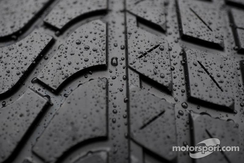 Pirelli rain tire