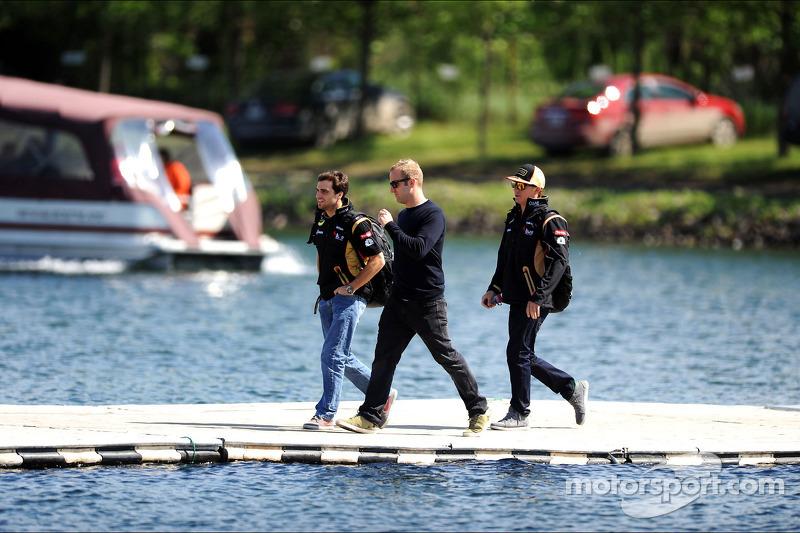 Kimi Raikkonen, Lotus F1 Team, with Jerome d'Ambrosio, Lotus F1 Team Third Driver