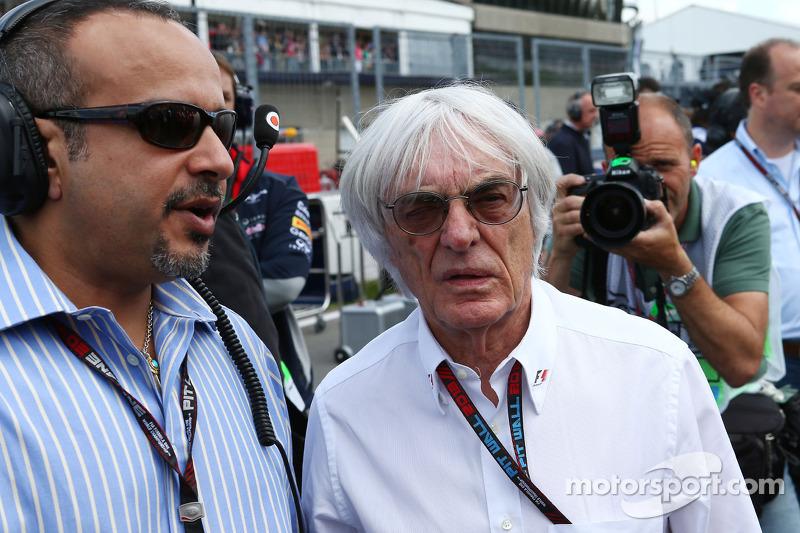Bernie Ecclestone, CEO Formula One Group, with HRH Prince Salman bin Hamad Al Khalifa, Crown Prince of Bahrain. on the grid