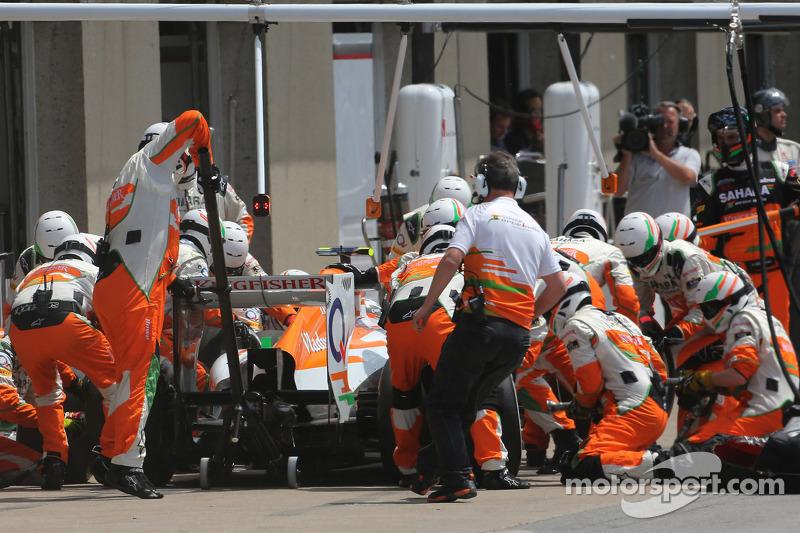 Adrian Sutil, Sahara Force India F1 Team tijdens een pitstop