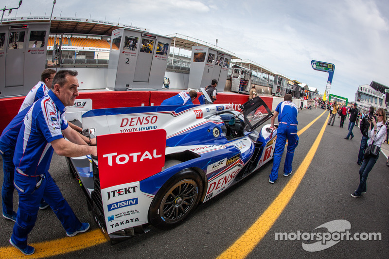 #7 Toyota Racing Toyota TS030 Hybrid