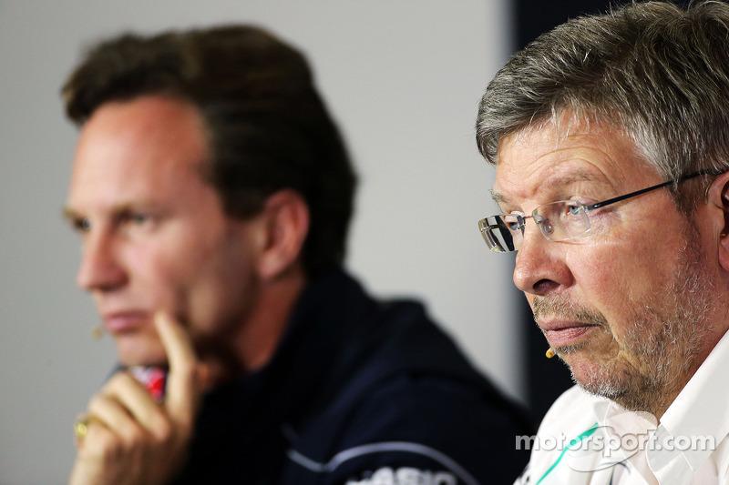 Christian Horner, Teambaas Red Bull Racing en Ross Brawn, Teambaas Mercedes AMG F1 bij de FIA-persco
