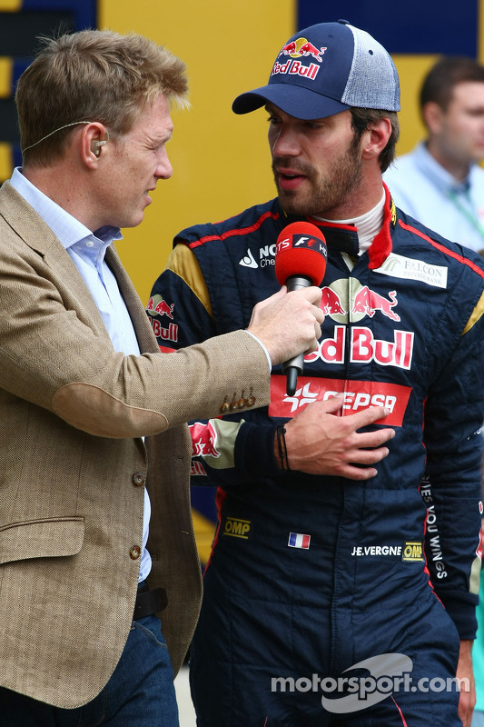 Jean-Eric Vergne, Scuderia Toro Rosso com Simon Lazenby, Sky Sports F1 TV Presenter