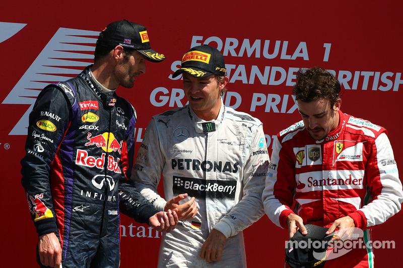 1e plaats Nico Rosberg, Mercedes AMG F1 W04 met 2e plaats voor Mark Webber, Red Bull Racing en 3e plaats voor Fernando Alonso, Ferrari F138