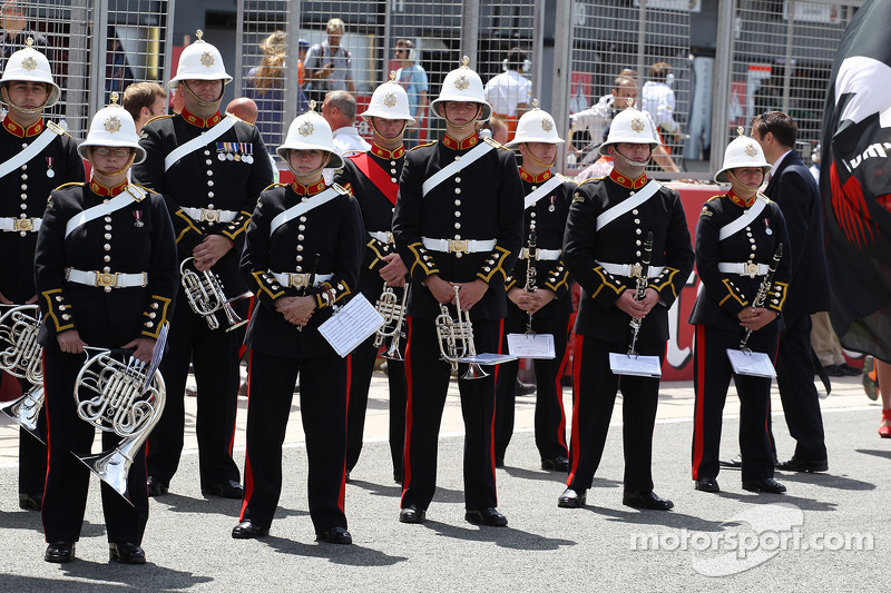 Brass band on the grid before the start of the race
