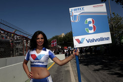 Gridgirl of Gabriele Tarquini, Castrol Honda World Touring Car Team Honda Civic