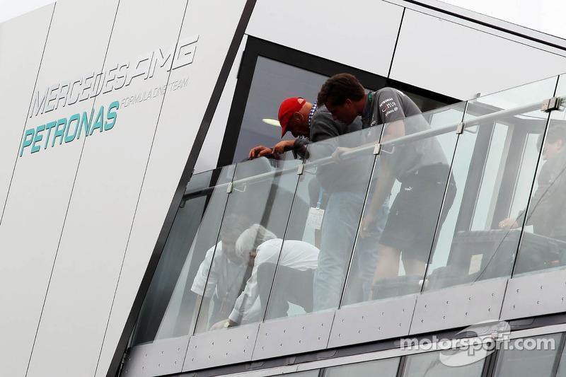 Bernie Ecclestone, CEO Formula One Group, and Niki Lauda, Mercedes Non-Executive Chairman on the Mer