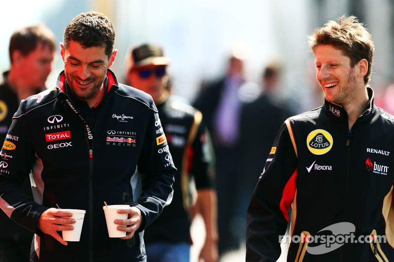 (L naar R): Guillaume Rocquelin, Red Bull Racing Race Engineer met Romain Grosjean, Lotus F1 Team