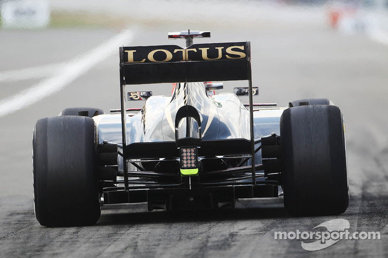Kimi Raikkonen, Lotus F1 E21 rear diffuser and rear wing