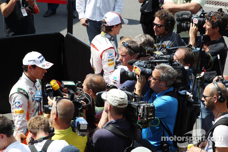 Adrian Sutil, Sahara Force India F1 en Esteban Gutierrez, Sauber met de media