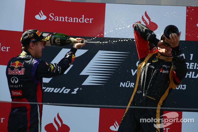 1e plaats Sebastian Vettel, Red Bull Racing en 2e plaats voor place Kimi Raikkonen, Lotus F1 E21