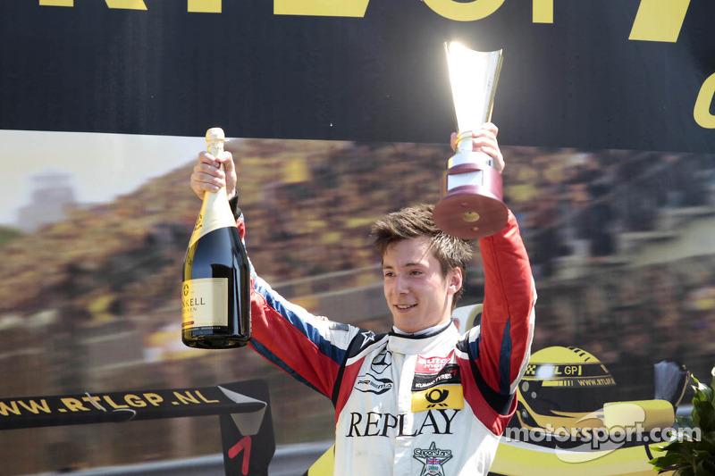 2e plaats Alex Lynn