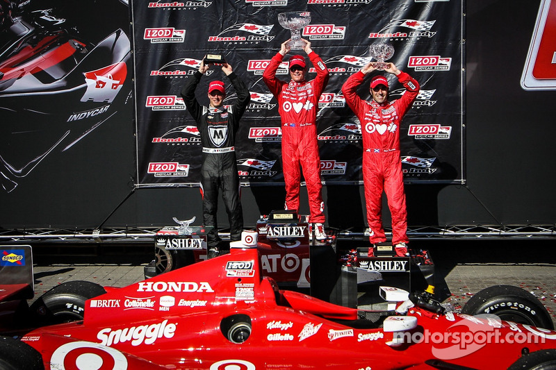 Scott Dixon, Target Chip Ganassi Racing Honda Target Chip Ganassi Racing, Sebastien Bourdais, Dragon Racing Chevrolet, Dario Franchitti, Target Chip Ganassi Racing Honda celebrates
