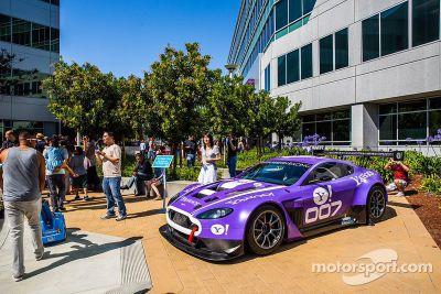 TRG Aston Martin GT3 visita o Yahoo!