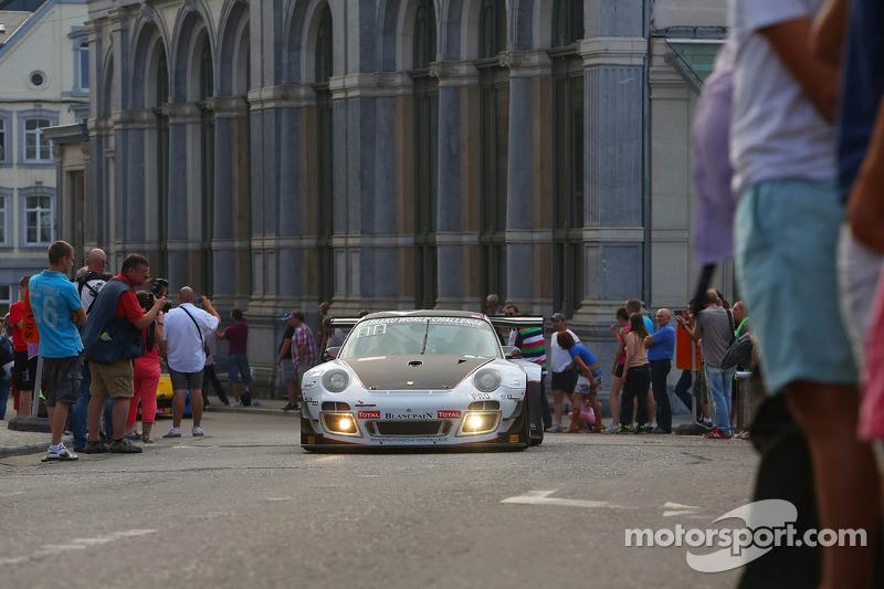#911 Prospeed Competition, Porsche 997 GT3R: Marco Holzer, Nick Tandy, Marco Mapelli en #75 Prospeed Competition, Porsche 997 GT3R: Marc Hennerici, Xavier Maassen, Maxime Soulet