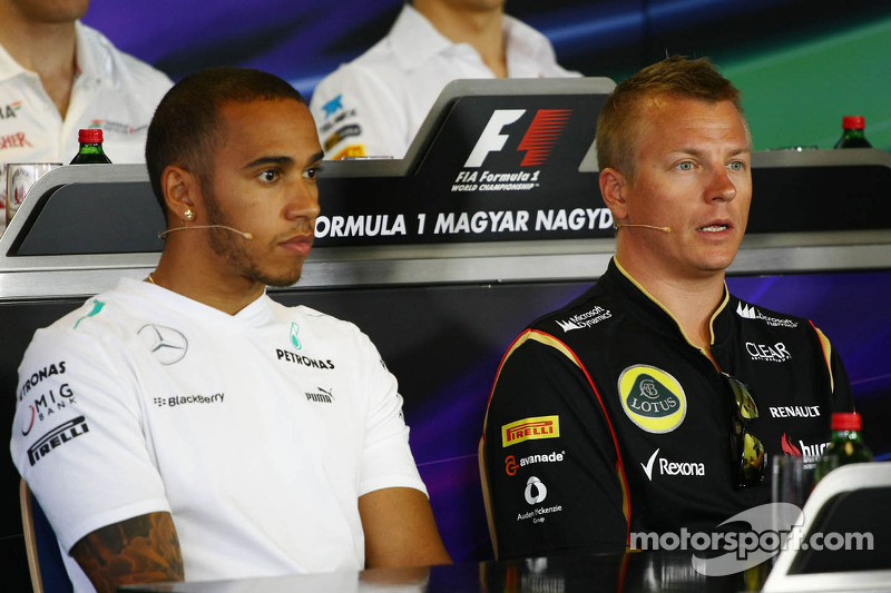 (L to R): Lewis Hamilton, Mercedes AMG F1 and Kimi Raikkonen, Lotus F1 Team in the FIA Press Confere