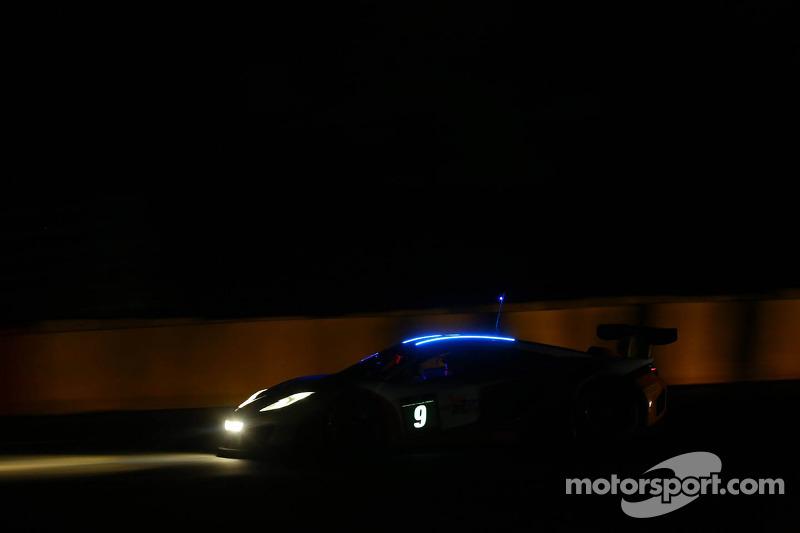 #9 Gulf Racing McLaren MP4-12C: Mike Wainwright, Andy Meyrick, Stuart Hall, Tim Mullen