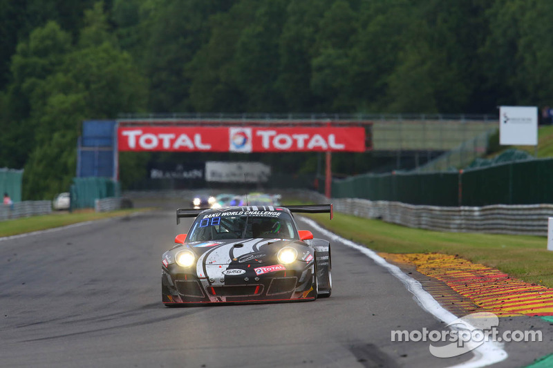 #83 SMG Challenge Porsche 997 GT3 R: Eric Clement, Robert Renauer, Nicolas Armindo, Olivier Pla
