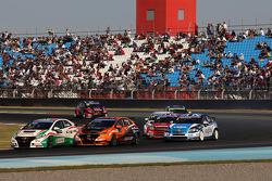Norbert Michelisz, Honda Civic, Zengo Motorsport  and Gabriele Tarquini, Honda Civic, Honda Racing Team J.A.S.