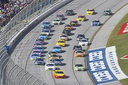 Дейл Эрнхардт-мл., Hendrick Motorsports Chevrolet и Джой Логано, Team Penske Ford