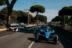 Себастьен Буэми, Renault e.Dams, Нельсон Пике-мл., Jaguar Racing, Лукас ди Грасси, Audi Sport ABT Schaeffler, и Лука Филиппи, NIO Formula E Team