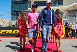 Lance Stroll, Williams and Esteban Ocon, Sahara Force India on the drivers parade
