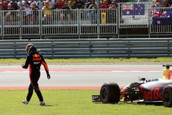 Daniel Ricciardo, Red Bull Racing RB13 si ritira dalla gara