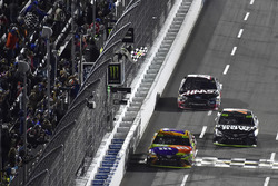 Kyle Busch, Joe Gibbs Racing Toyota takes the checkered flag and the win