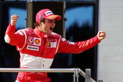 Podium: racewinnaar Felipe Massa, Ferrari
